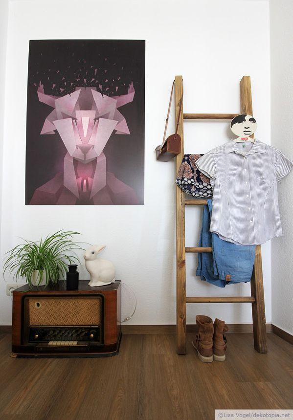 """#Wandgestaltung mit #Leiter und #Wandbild auf #Alu-Dibond - Motiv """"Kiko 2"""" Kuba Gornowicz erhältlich bei Posterlounge.de #retro #Stier #taurus #polygon"""
