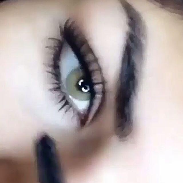 Это одногодичные мягкие линзы - пленочки. Их можно купить как для хорошего зрения , так и для коррекции зрения. Страна производитель Бразилия.  Данные линзы являются одними из самых естественных цветных линз премиум класса и хорошо перекрывают даже самые ✅тёмные глаза.✅ Элитные бразильские цветные линзы Solotica (Солотика) - пожалуй, самые естественные и красивые цветные линзы, созданные специально для темных глаз. Никакие другие линзы не перекрывают темный - даже черный - цвет так хор...