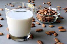 Ev Yapımı Badem Sütü Tarifi