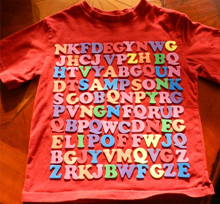 100 days of school Word find t shirt. Love this idea!! (Wish I had seen it couple weeks ago but may work on for grandkids next yr.)