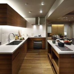 碑文谷・時層の家の部屋 全長7mのキッチン