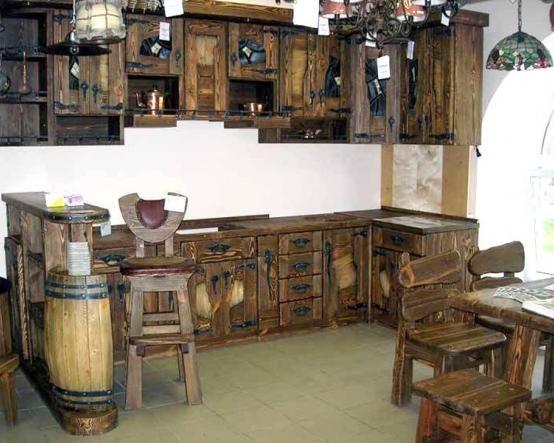 Угловая состаренная кухня Бъёрн в точности повторяет мебельные творения викингов, отважных мореплавателей http://www.mebel-zevs.ru/kukhni/kuhnja-b%27ern