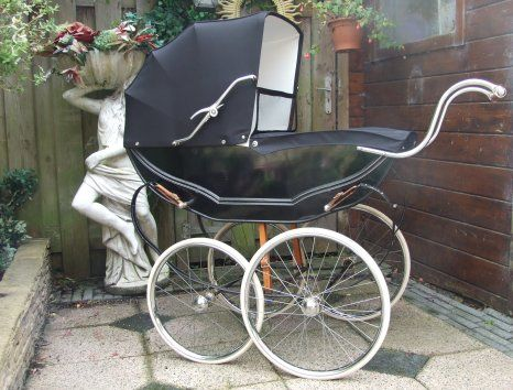 Would be so cool to have a vintage baby carriage like this