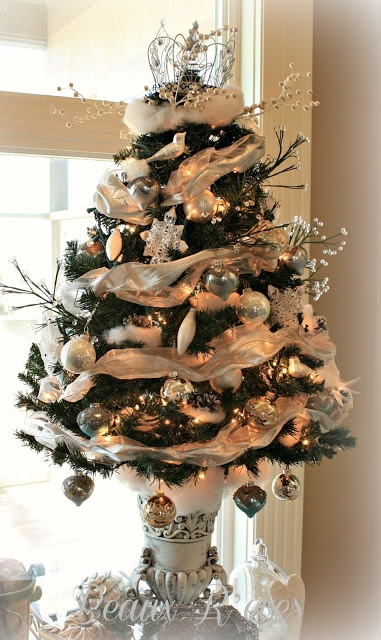 68 best CHRISTMAS - Tabletop Trees images on Pinterest | Holiday ...