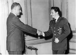 En aquel mes Raúl viajó a Egipto para participar en los festejos del 26 de Julio de 1960 en Alejandría, donde sostuvo reuniones con el líder Gamal Abdel Nasser.