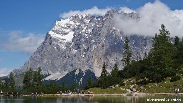 Von #Ehrwald, #Tirol zur #Coburger Hütte im Westen der #Mieminger Kette, Blick über den #Seebensee zur #Zugspitze http://alpenreisefuehrer.de/oesterreich/tirol/von-ehrwald-tirol-zur-coburger-huette/?utm_source=pinterest&utm_medium=link&utm_term=tirol&utm_campaign=social