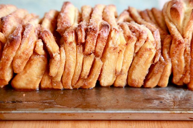 perfect for easter. Cinnamon pullapart! yuuum