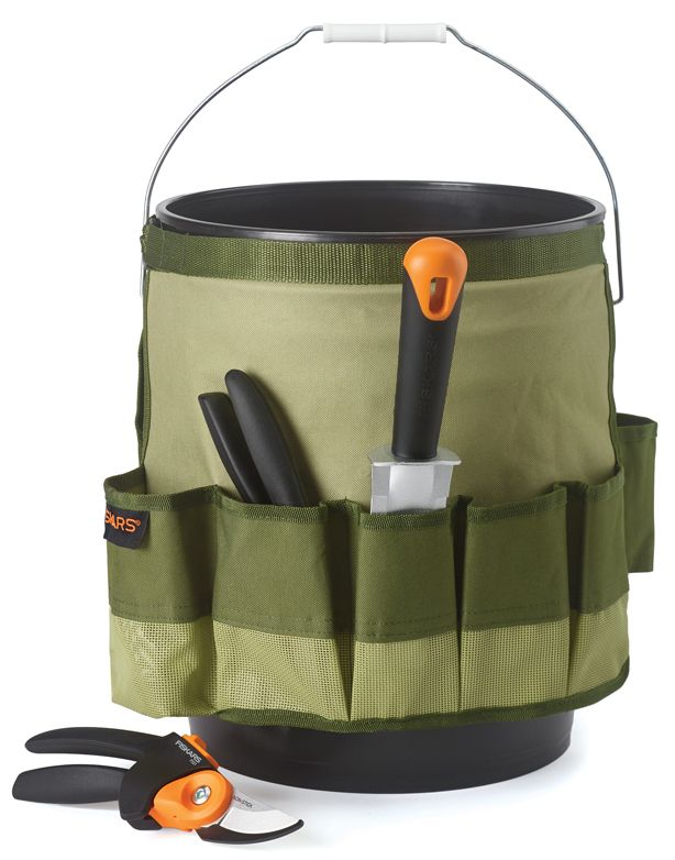 Urban Garden's shared her 2015 Holiday Gift Guide and we're digging her call out to the Fiskars garden bucket caddy. Perfect for carrying all your garden essentials including the Fiskars PowerGear2 Pruner (also in her holiday gift guide). Give a gift a gardener will be happy to carry around all garden-year-long.