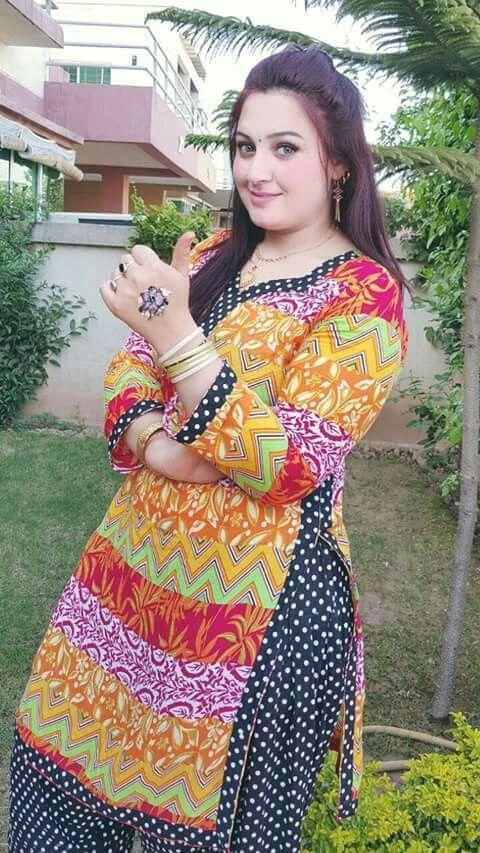 446 Best Desi Bhabi Images On Pinterest  Desi Bhabi -7551