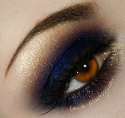 Deep blue and goldDeep Blue Eyeshadows, Blue Gold Eye Makeup, Eyeshadows Blue, Dramatic Eye, Brown Eye, Beautiful, Blue And Gold Eyeshadows, Smoky Blue Eyeshadows, Blue Smokey Eyeshadows