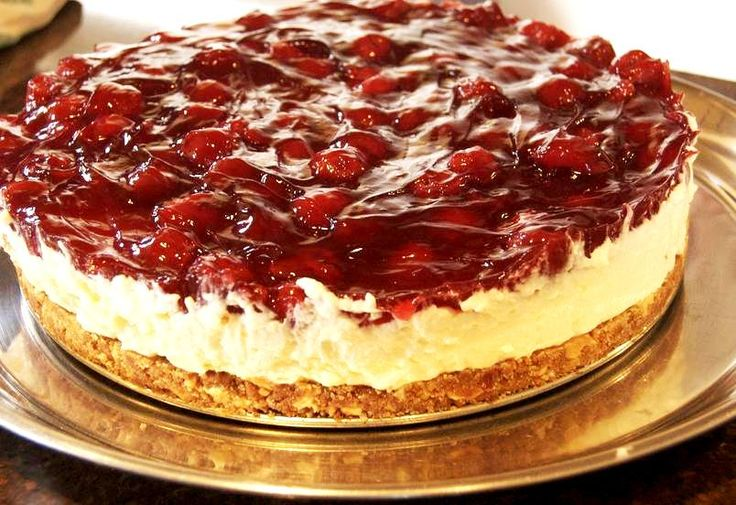 Monchou Taart (cream cheese/whipping cream pie; can use Neufchatel to substitute Monchou cheese)