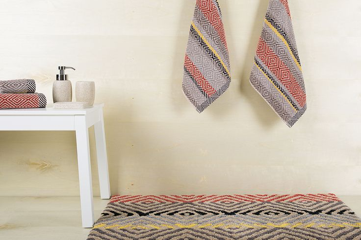 Diamonds bath rug. 100% cotton.