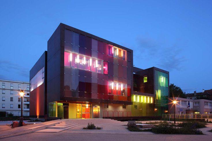 Centro para el deporte y el ocio en Saint-Cloud   - KOZ Architectes - Francia
