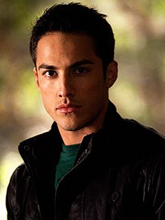 Michael Trevino - the vampire dairies :)