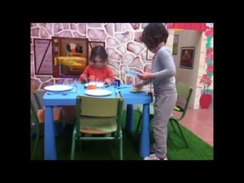 Els ambients a l'escola Es Puig de Lloseta (Montse Castañé i Lydia Castany, alumnes de la FUB) - YouTube