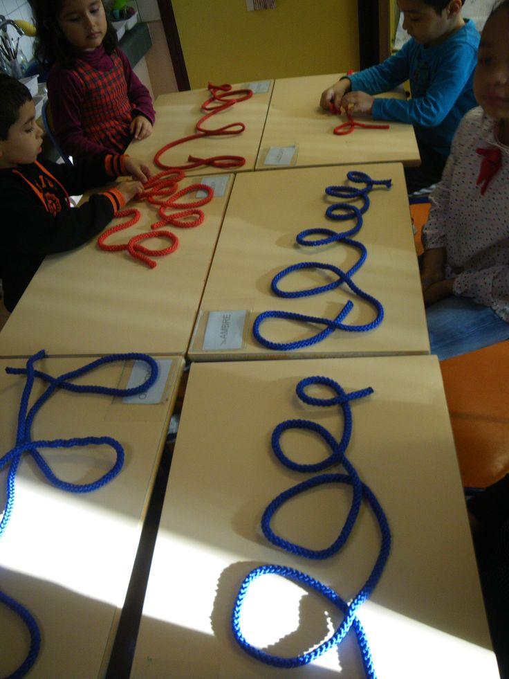 inleiding schrijfdans - met touw lusjes leggen boucles avec les cordes