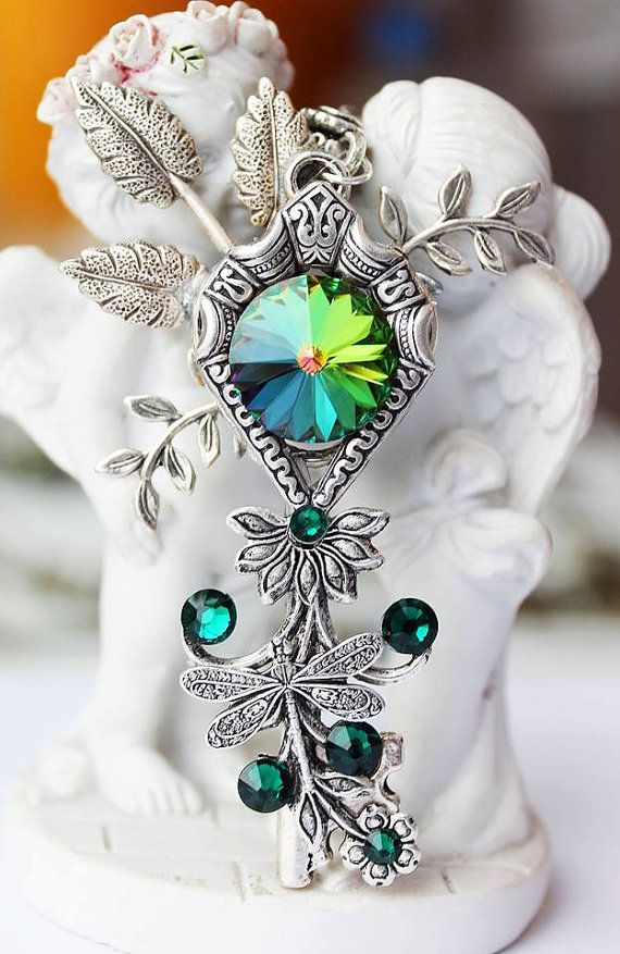 groene toets groene sleutel ketting, zeer belangrijke ketting, belangrijke sieraden, fantasie sleutel, sleutels