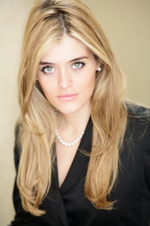 Daphne Oz is the author of the national bestseller, The Dorm Room Diet. Description from coolspotters.com. I searched for this on bing.com/images