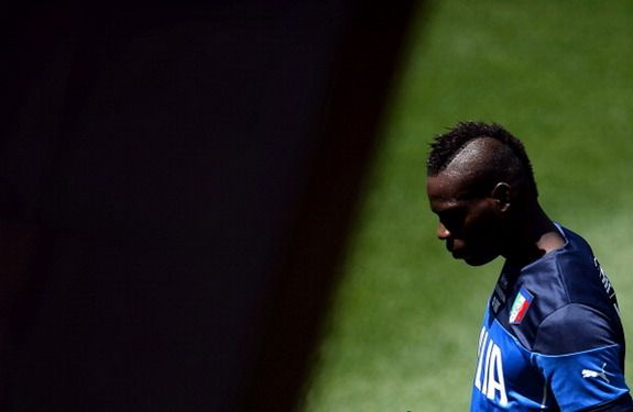 Mario Balotelli racially abused by Italy fans at World Cup training camp