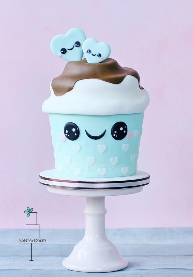 Giant kawaii cupcake - Cake by Tamara