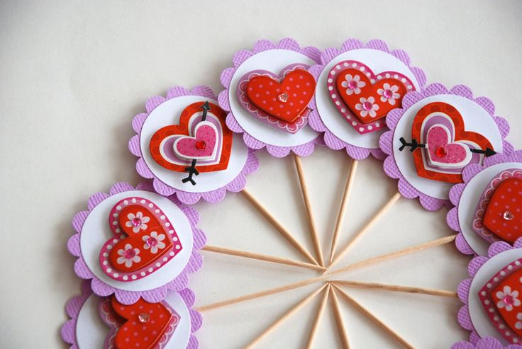 https://flic.kr/p/9bDHAZ | Valentine's Day -Heart Cupcake Toppers