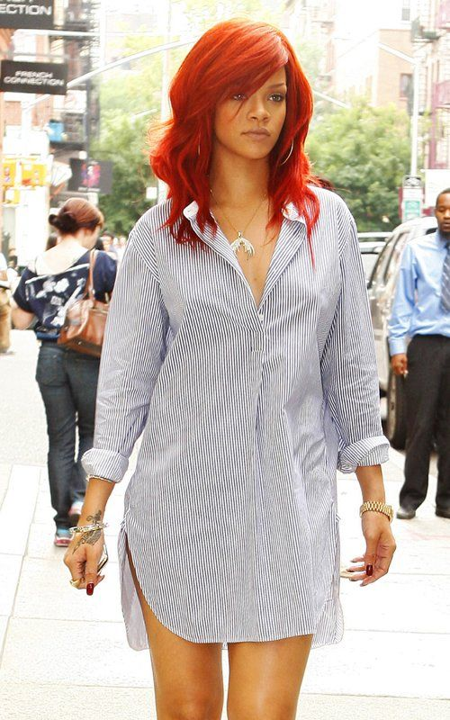 I wish I could pull off red hair like this. Can I just say I love her?