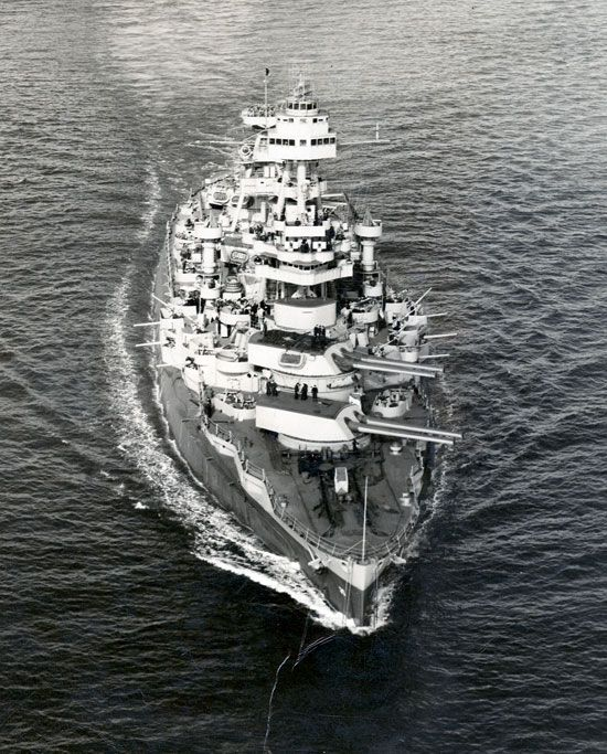 USS Texas underway.