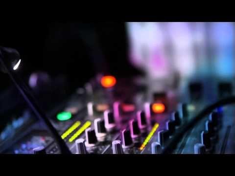 """""""Muzyka Świata""""@Dom Kultury - DJ Ya-Neck, Efebo, Skubaniec [2013] - YouTube"""