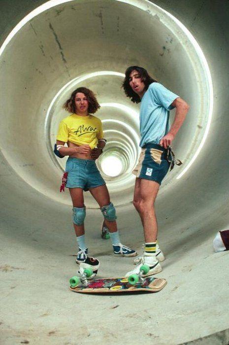oh how i love 70s skateboarding.