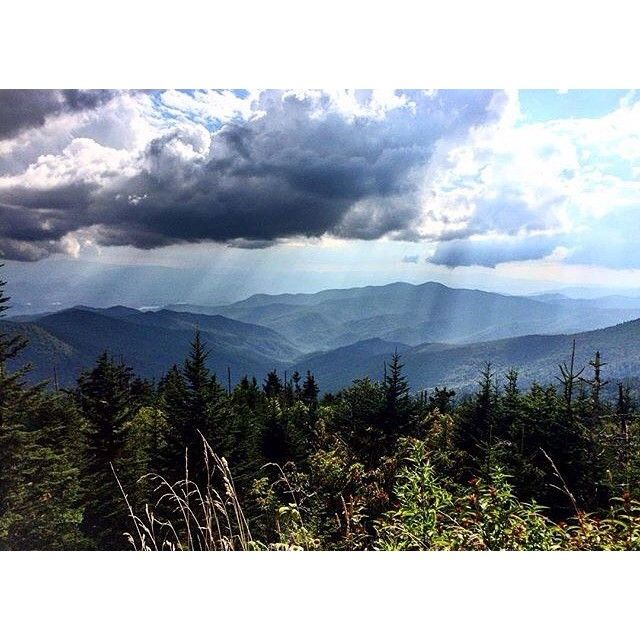 15+ miles of mountain hiking today, ending in this view - no filter needed. Photo: @mbrunner3. #clingmansdome #brysoncity #gsmnp #hiking #hike #wilderness #smokymountains #explore #getoutside
