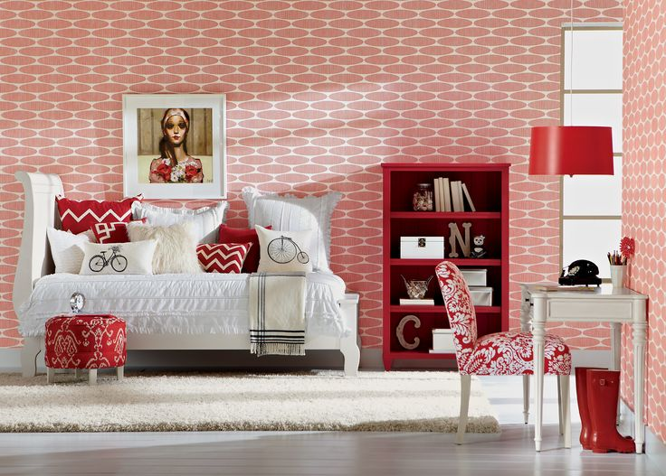 Perfect Bright Sophisticated Room That Will Inspire Any Young Girl. #EthanAllen  #EthanAllenBellevue #GirlsRoom