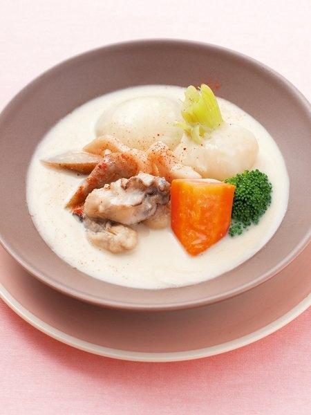 牡蠣と根菜の豆乳シチュー