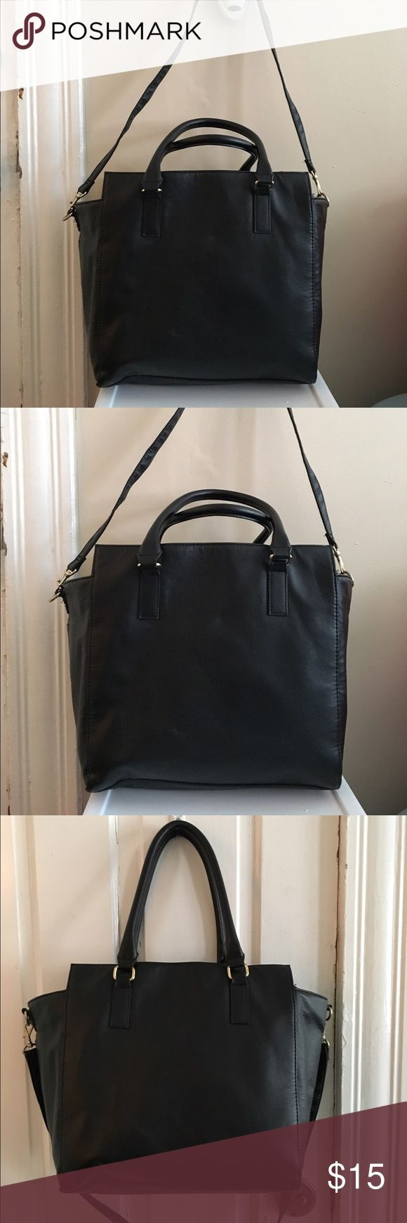 H&M black tote bag H&M black tote bag! Perfect for work, school etc. holds a lot. H&M Bags Totes