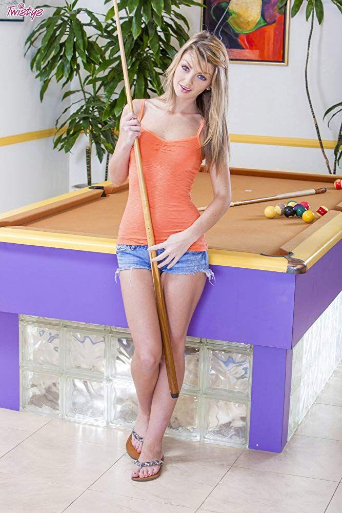 porno stars girls flip flops