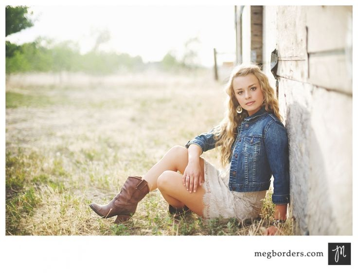 More ideas for senior pictures..mmm I wonder how a boy would look with that pose? lol..might look good if he wore his Texas boots.
