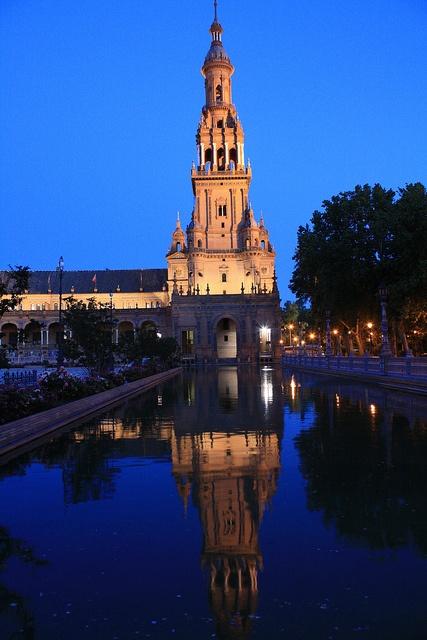 The Plaza de España , in Seville, Spain via flickr