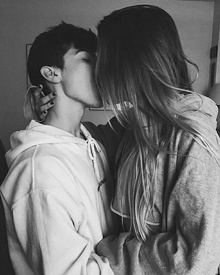 картинки целующейся пары без лица этом