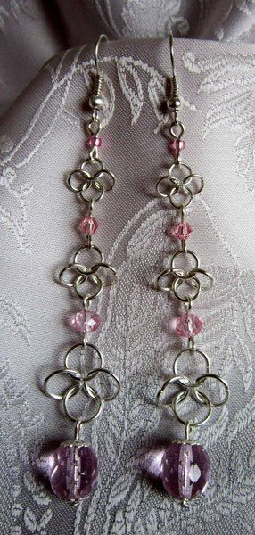 Orecchini in chianmail, cristalli rosa di Piccoli Capricci di Mara su DaWanda.com