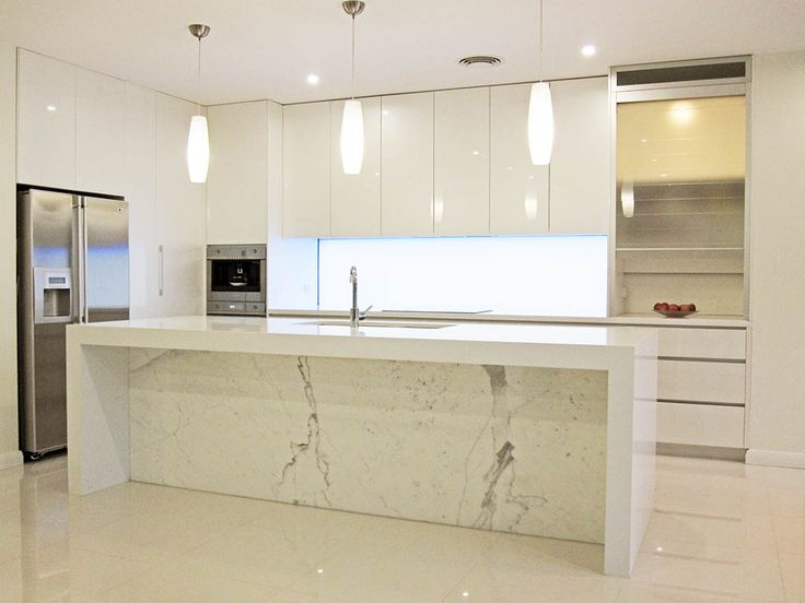 Calacatta marble as an accent…apparently crap as a bench top surface (easily stained/scratched etc)