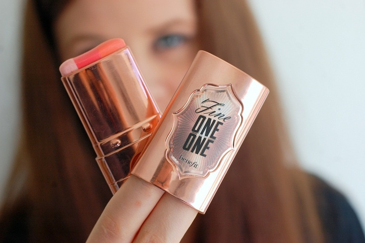 Benefit Fine-One-One Love it. :) http://sarthud.dk/2013/04/en-anderledes-blush-part-1-fine-one-one-by-benefit/