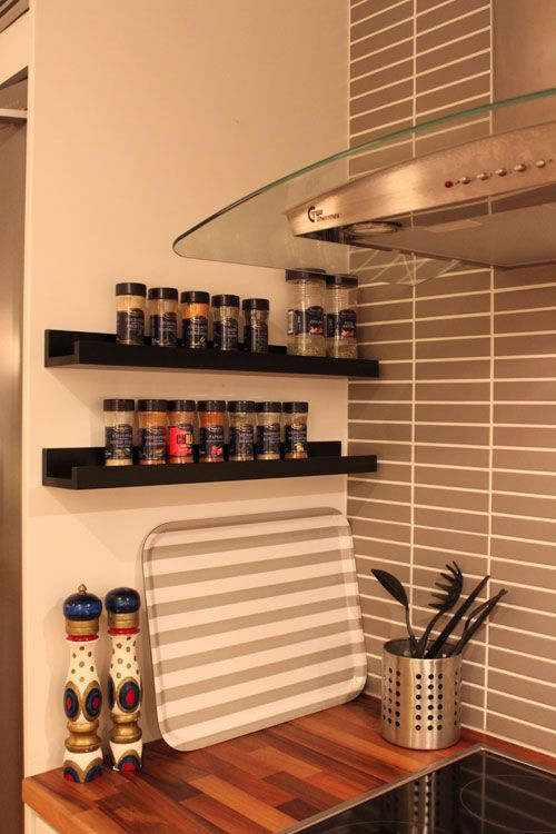 A nice way to organise the spices in the kitchen, if I could I would!