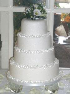 Best 20 Diamond wedding cakes ideas on Pinterest Pastel diamond