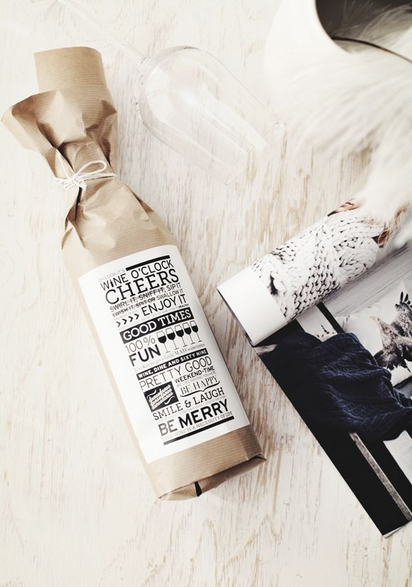 Christmas Gift Wrap Ideas | Wine Christmas gift wrap, with printed label