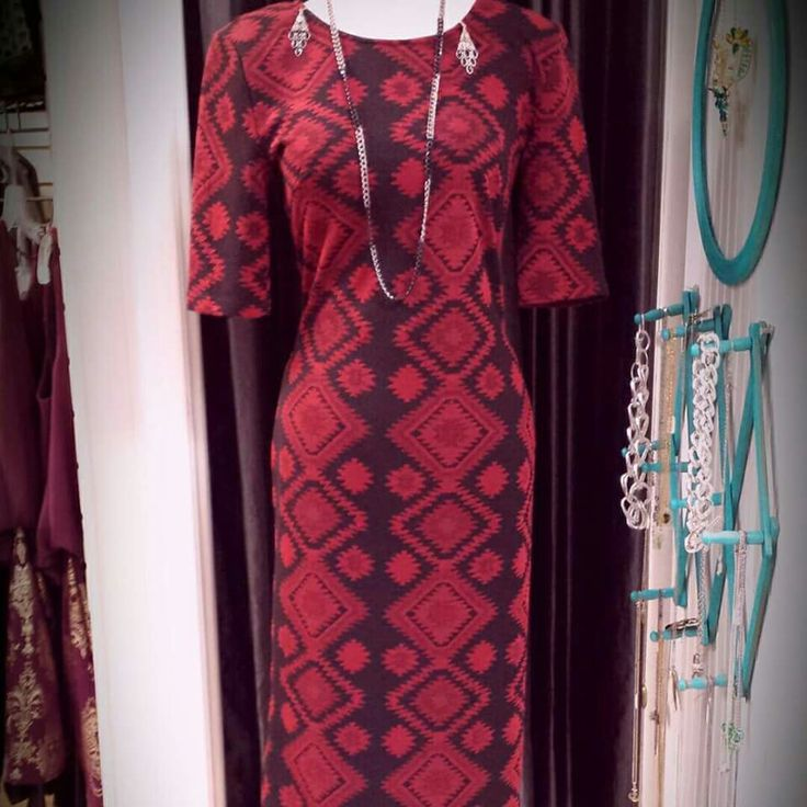 The Loop in Kincardine, ON. LOVE,  LOVE, LOVE this dress!!! #classy #dresses #clothingstore #xoxo