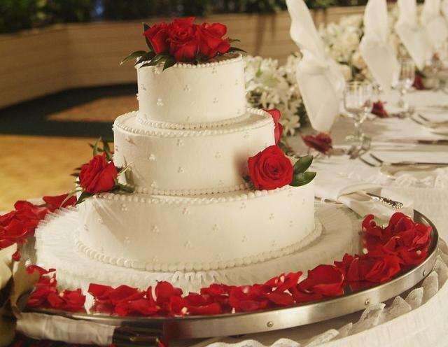 Three Tier Wedding Cake With Roses