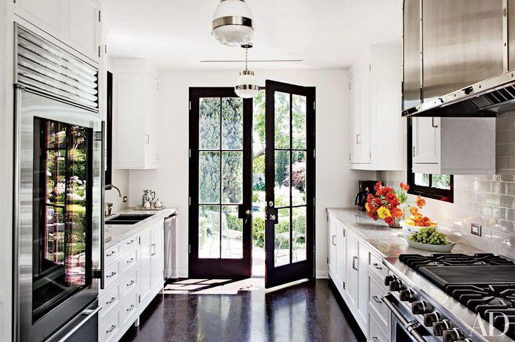 Beautiful Black-and-White Kitchens