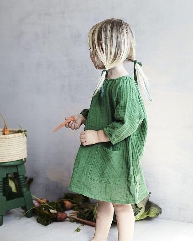 green dress via Peggy (@paulpaula)