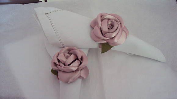 Lindo porta guardanapo feito em cetim na cor rosa antigo , valor para pedido mínimo de 50 peças R$ 2,90