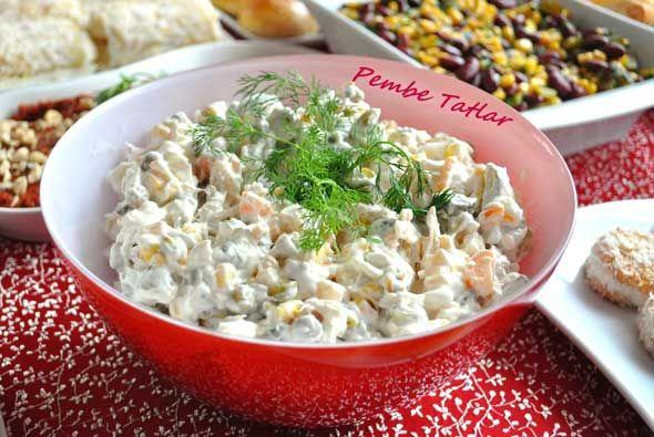 Yoğurtlu Tavuk Salatası Tarifi