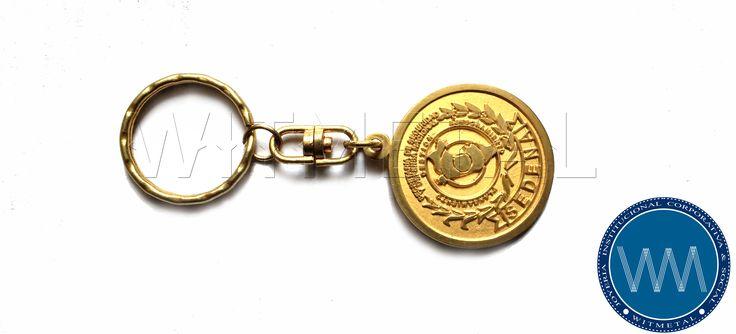 """""""Dejar de hacer PUBLICIDAD PARA AHORRAR dinero, es como parar tu reloj para ahorrar tiempo."""" Con nuestros #Llaveros tu marca perdurara décadas. #LlaverosPublicitarios #LlaverosCorporativos #LlaverosIntitucionales #Witmetal #SEDENA"""
